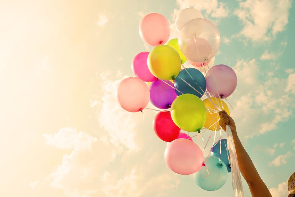 Colorful-balloon-515065466_6016x4016